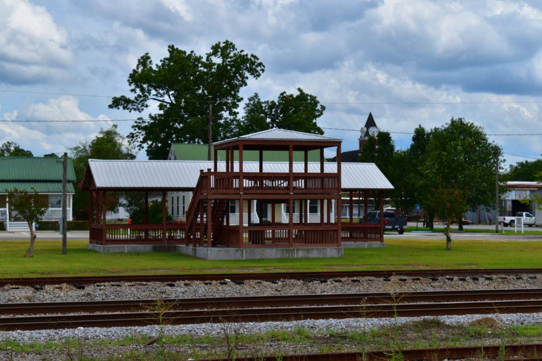 Railfan Platform - Wayne County Board of Tourism